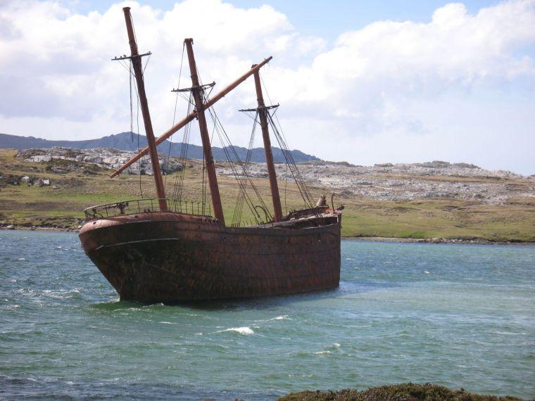 bas_shipwreck