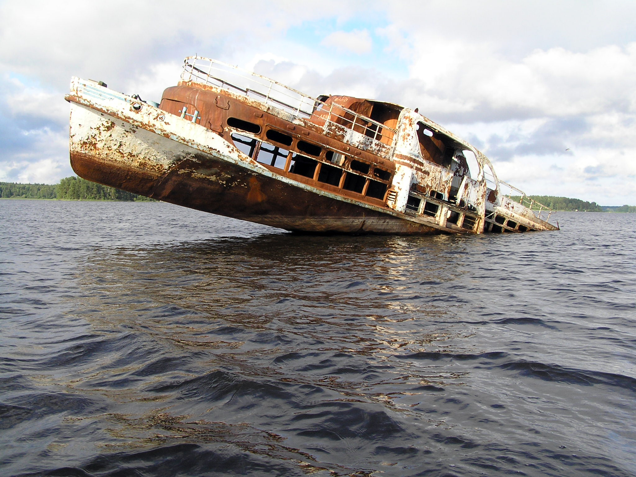 10 Shipwrecks Frozen In Time