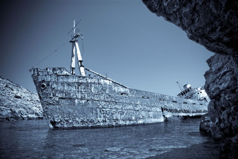 Hauntingly-beautiful-wreck-on-the-island-of-Amorgos-in-the-Greek-Cyclades-monochrome