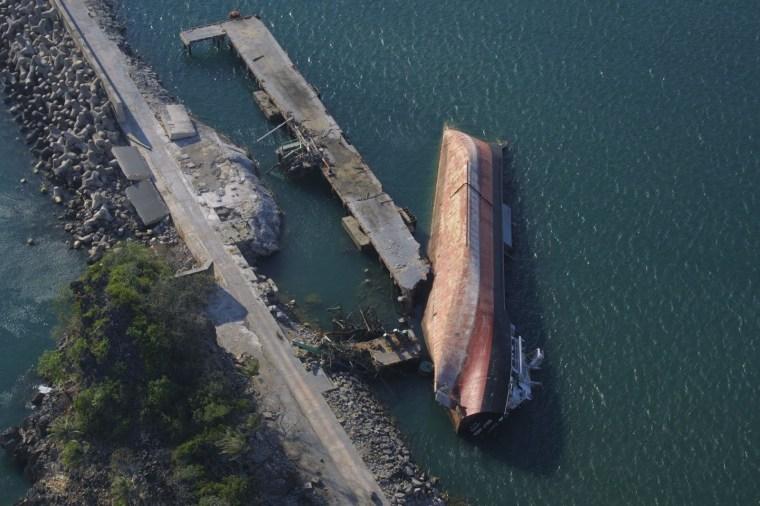 ship 01 - wreck 16