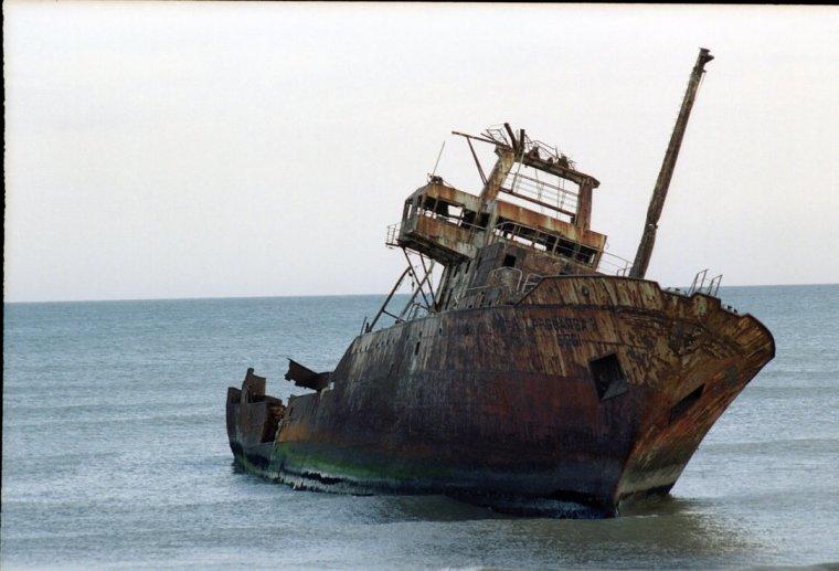 Shipwreck_2_full_size__by_Trifido