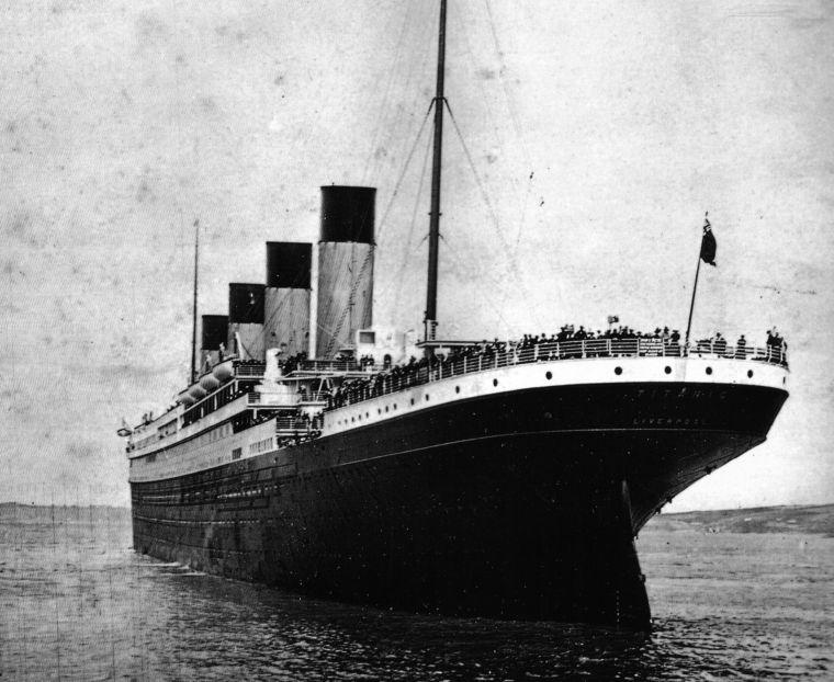Titanic_stern_large